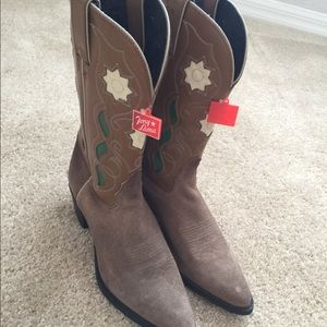 Brand new Tony Lama boots